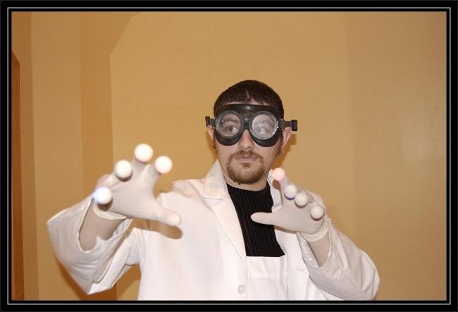 Doktor Sleepless by Flickr User Team Tanenbaum, CC License = Attribution, Noncommercial, Share Alike