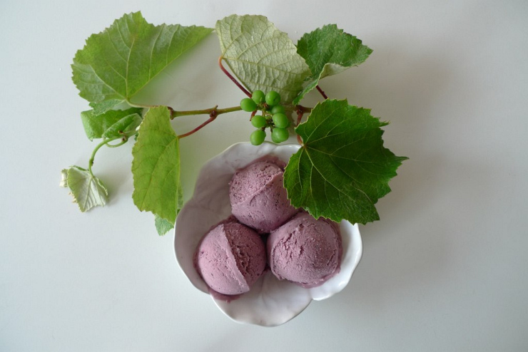Grape Ice Cream by Flickr User Mi Mitrika, CC License = Attribution, Noncommercial, No Derivative Works